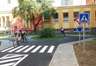 Školáci zjišťovali, jak jezdit bezpečně na kole