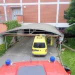 Dodávka se ve Zlíně nevešla do podzemních garáží, vyprostili ji hasiči